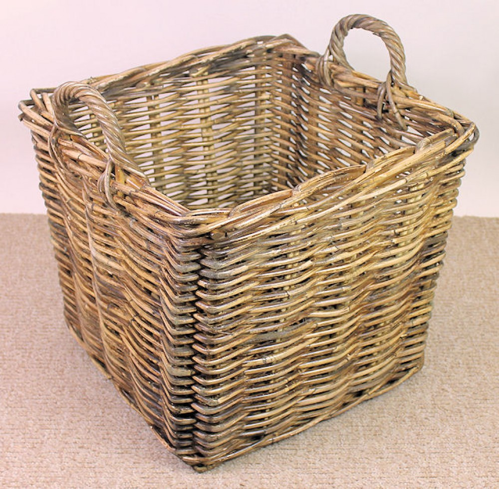 Rattan Kaminkorb , Holzkorb brown wash , 46 x 46 cm H 40/50 cm